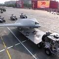 10月1日、中国建国記念日の軍事パレードで披露された最新鋭の軍事用ドローン 写真/CCTV