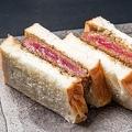 人気の高級食パン専門店と肉割烹がコラボした究極のカツサンド!