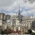 修復用の足場が組まれたパリのノートルダム大聖堂(2019年3月27日撮影)。(c) Ludovic MARIN / AFP