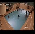 事故が発生したホテルのプール(画像は『Livonia Police Department 2020年2月12日付Facebook「According to the Centers for Disease Control and Prevention, three children die every day as a result of drowning.」』のスクリーンショット)