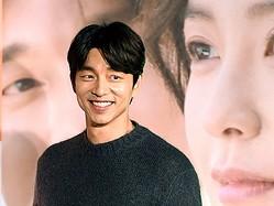 """俳優コン・ユ、""""可愛すぎるニット帽SHOT""""にファン歓喜「不意打ちでこれはずるい」【PHOTO】"""