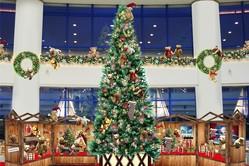 アクアシティお台場、シュタイフのテディベア約100体を飾ったツリー&クリスマスマーケットも