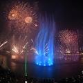 「世界最大の噴水」としてギネス世界記録に認定された、パーム・ジュメイラの噴水。アラブ首長国連邦ドバイで(2020年10月22日撮影)。(c)Karim SAHIB / AFP