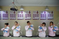 中国の出生数、今後5年で1000万人割れも=専門家