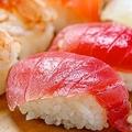 お寿司は二貫セットの理由 元々お寿司は大きく、半分に切っていたから