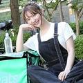 8月前半、本誌は堀さんに密着。気温35℃の中、自転車で都内を回った。ほぼ毎日働いており、月に7万円ほど稼ぐという