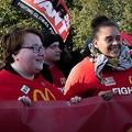 マクドナルド従業員が世界各地でストライキ「貧困賃金」の改正求める
