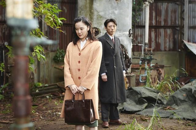 [画像] 銀獅子賞受賞の話題作『スパイの妻』。黒沢清監督はなぜ「妻」の視点で描いたのか?