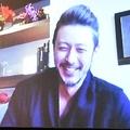 河本さんとのトークで笑顔を見せるオダギリさん
