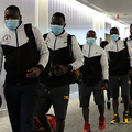 東京五輪出場のため成田空港に到着したウガンダの選手団=2021年6月19日、林敏行撮影