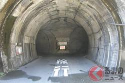 まるでゲームのダンジョン!? 交差点のあるトンネルの正体とは