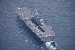 護衛艦「いずも」(海上自衛隊提供)