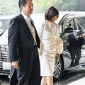 安倍首相 見初めたころに褒めていたという昭恵夫人の美脚