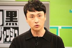「白黒アンジャッシュ」3週間ぶりの放送再開に、1人で出演する児嶋一哉(C)千葉テレビ