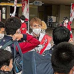 戸田市議当選のスーパークレイジー君 取材殺到し「市の顔」に ...