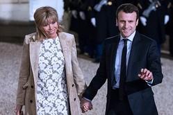 """フランスならばここまで""""炎上""""することはなかっただろうとプラドさん。実際、マクロン夫妻は「不倫略奪愛」だったが、それでも国民に支持され、大統領に(時事通信フォト)"""