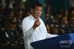 フィリピンの首都マニラで、演説を行うロドリゴ・ドゥテルテ大統領(2018年8月8日撮影、資料写真)。(c)TED ALJIBE / AFP