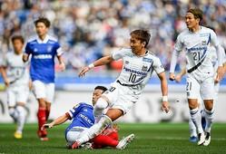 開始6分、果敢なフォアチェックから敵のミスを誘い、倉田(10番)が冷静にねじ込む。G大阪にとっては願ってもない先制点だった。写真:金子拓弥(サッカーダイジェスト写真部)