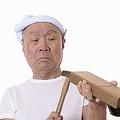 """昨年、""""北海道の職人、伊藤製作所の4代目伊藤慧太が作る高品質の中華鍋""""が中国で大ヒットした。伊藤製作所という会社も、伊藤慧太なる職人も存在せず、写真に写る""""職人""""は中国人俳優。つまり、全てニセモノだ。(イメージ写真提供:123RF)"""
