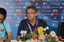 U-18ベトナム代表を率いるトルシエ監督。チームをU-19アジア選手権本選へと導いた。写真:佐藤博之