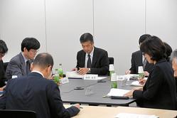 東須磨小での問題を協議した神戸市教育委員会の臨時会議=2019年10月31日、神戸市中央区、森下友貴撮影