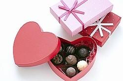 日本では、クリスマスのフライドチキン、節分の恵方巻同様、バレンタインデーのチョコレート、そして、「ホワイトデー」はいずれも商業者が仕掛けた販売戦略がヒットし、習慣化したものが少なくない。(イメージ写真提供:123RF)