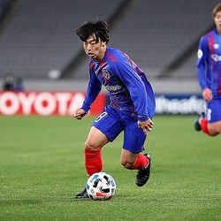 テクニシャンの紺野はFC東京のメッシになれるか。今季の活躍に期待したい。写真:茂木あきら(サッカーダイジェスト写真部)