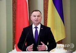 ウクライナ・キエフで合同記者会見に臨む、ポーランドのアンジェイ・ドゥダ大統領(2020年10月12日撮影)。(c)VALENTYN OGIRENKO / POOL / AFP