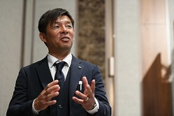 Jリーグキックオフカンファレンスに出席した川崎の鬼木監督。新シーズンへの意気込みを語った。写真:金子拓弥(サッカーダイジェスト編集部)