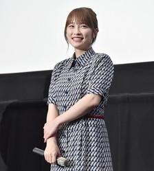 5月21日に行われた映画『泣くな赤鬼』の完成披露試写会にて。川栄李奈はこの映画で一児の母役を演じている