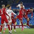 「欧州スーパーリーグ」にリヴァプールファンたちも怒りの抗議 ユニフォーム炎上も
