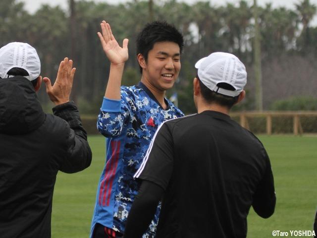 決勝でU-17代表のキャプテン務め、笑顔と完勝もたらしたCB波本頼。「一日一日を大切に」