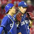 中日・岡野と加藤(左)の�青学バッテリー�は不発に