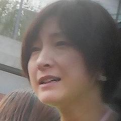 広末涼子が息子の学校行事で大きなゼッケンをつけた「PTA役員