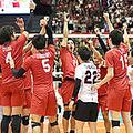 イランを破って5連勝とし、喜ぶ日本の選手ら=13日、広島県立総合体育館