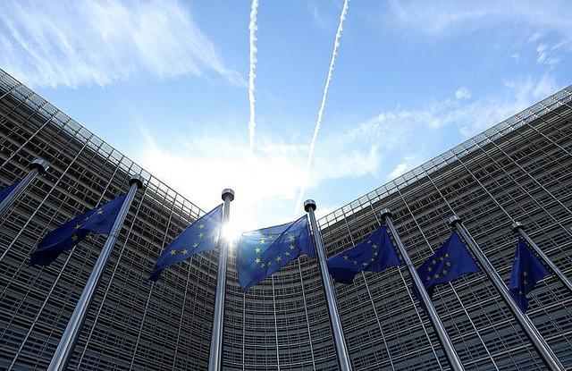 欧州委、21年ユーロ圏成長率予測を4.2%に下方修正 感染第2波で