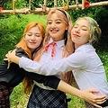 """TWICEサナ、ジヒョ、チェヨンが""""驚異の美脚SHOT""""を公開! 「黄金比とはこのこと」【PHOTO】"""