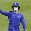 雨の中、マスク姿でキャッチボールするダル(C)ロイター/USA TODAY Sports