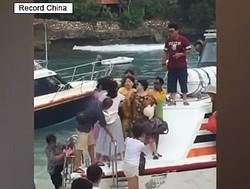 17日、新浪は、インドネシア・バリ島のクルーザーで中国人の中年女性2人が下船する順番をめぐって殴り合いの大げんかをしたと報じた。