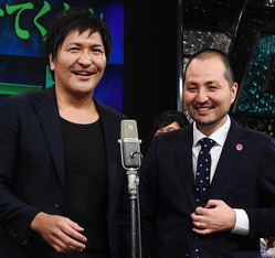 スリムクラブ・真栄田賢(左)と内間政成