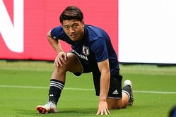 東京五輪世代で最注目は堂安。かつての本田のように、オランダリーグで名声を高める。写真:山崎賢人(サッカーダイジェスト写真部)