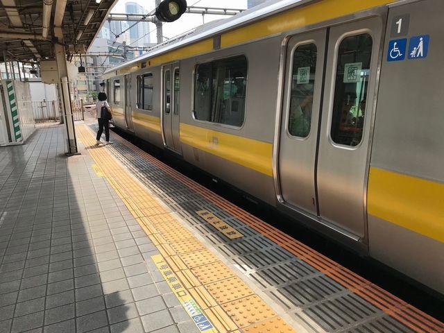 飯田橋駅」ホーム移設、急カーブ消え危険解消 - ライブドアニュース