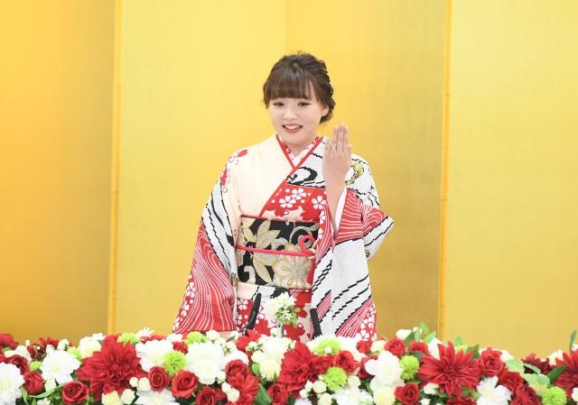 野呂佳代が「夜な夜なラブ子さん」に生出演 婚約を発表 - ライブドアニュース