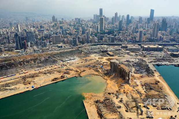 レバノン首都の大爆発、クレーターの深さは43メートルと判明