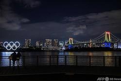 東京・お台場に設置された五輪のシンボル(2020年12月1日撮影、資料写真)。(c)Philip FONG / AFP