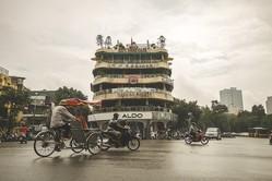 経済成長が著しいベトナムで、金融事情をさらに追った