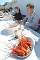 静岡県南伊豆町で伊勢エビの大食い大会「とてもぜいたくな時間」