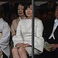 昭恵氏のドレス「場違い」の声も