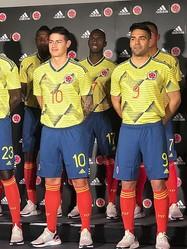 ハメス、ファルカオが登場! コロンビア代表の新ユニフォームを公開!