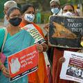 インドで女性への暴力に抗議する人々(2020年10月29日撮影、資料写真)。(c)Manjunath Kiran / AFP